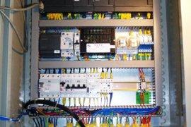 Układ kontroli poziomu w zbiorniku, uruchomienie nowej linii pakującej